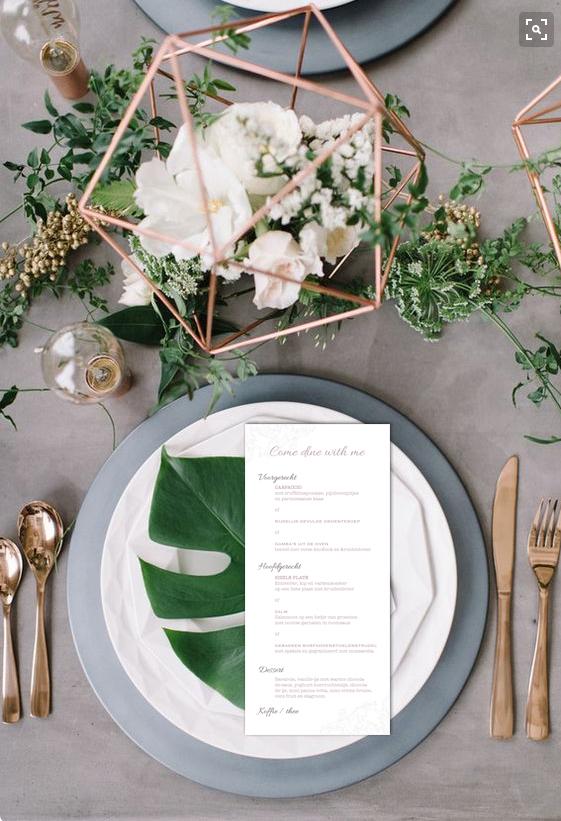tafel met menu
